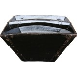 Black Lacquered Grain Measure