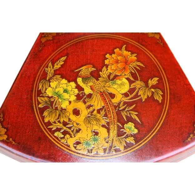 Red Fan Shape Leather Box - Detail