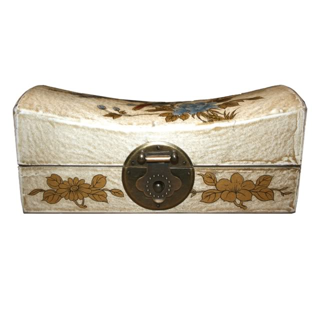 Creamy Medium Pillow Shape Jewellery Box- Front View
