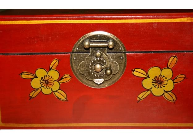 Small Red Leather Case - Flower - Lock Detail