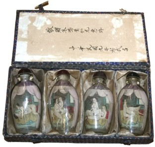 Chinese Sex Education Glass Snuff Bottle Set